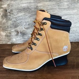 TIMBERLAND - NWOT Leather Wedge Heel Boots 8.5